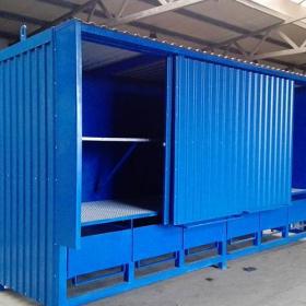 Container mit Schiebetoren